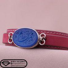 دستبند عقیق آبی زنانه-نقش یا قمر بنی هاشم -بند چرم طبیعی